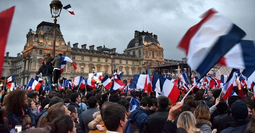 Macron rally at the Louvre   © Nikki Vargas