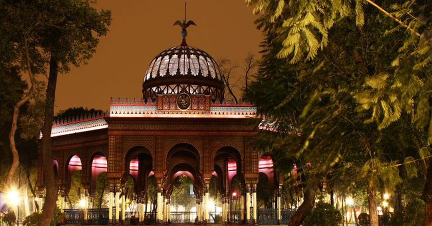 Kiosco Morisco after dark | © Ulisesmorales/WikiCommons
