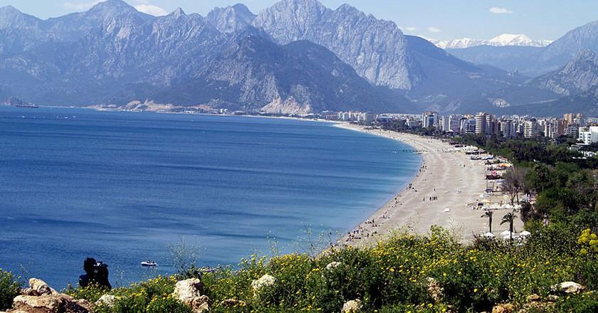 Konyaaltı Beach | © Bozaltan/Wikimedia Commons