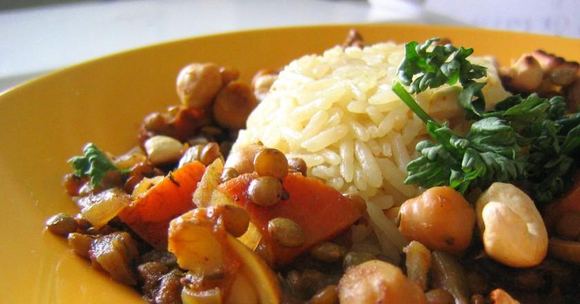 Lentils and Chickpeas   © rusvaplauke/Flickr