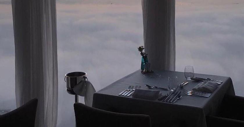 Dinner in the clouds at Panoramic 34   © Panoramic34/Facebook