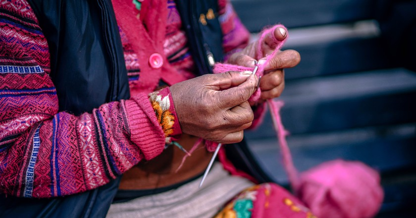 Weaving alpaca   © 312591 / Pexels