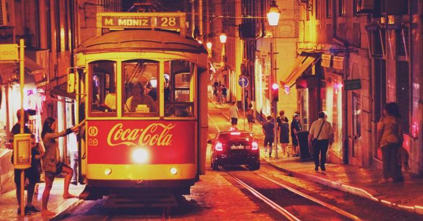 A tram in Lisbon | © 2109DSGN/Pixabay