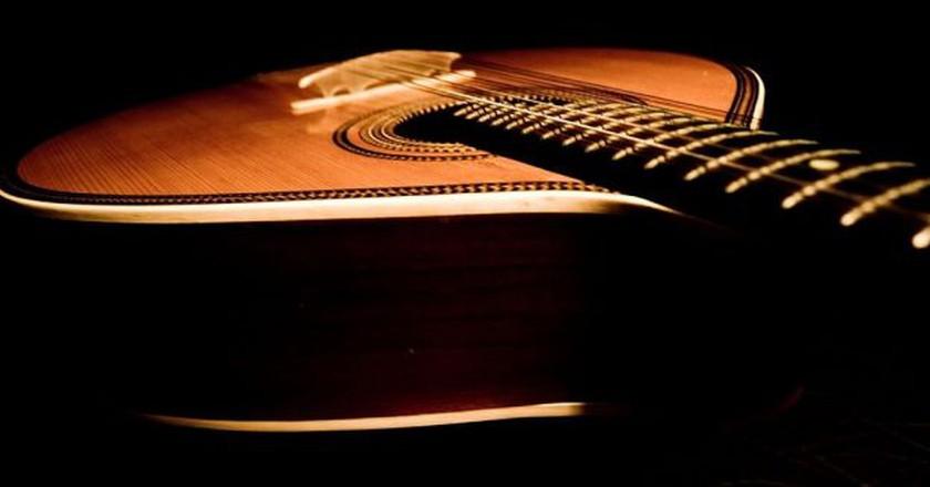 Portuguese guitar © Feliciano Guimarães / Wikimedia Commons
