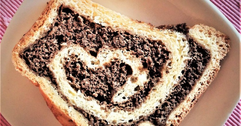 Potica with a Walnut filling in the shape of a heart │Courtesy of Lojze Posedel