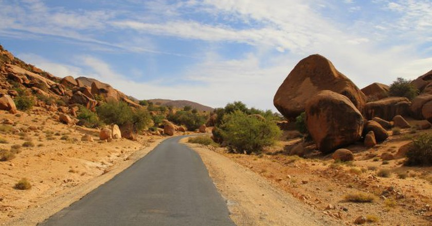 A mountain road in Morocco | © Singa Hitam / Flickr