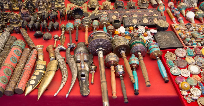 Indian Handicrafts | ©  surassawadee/Shutterstock