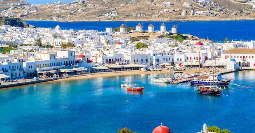 A view of Mykonos port with boats, Cyclades islands, Greece   © Pawel Kazmierczak / Shutterstock