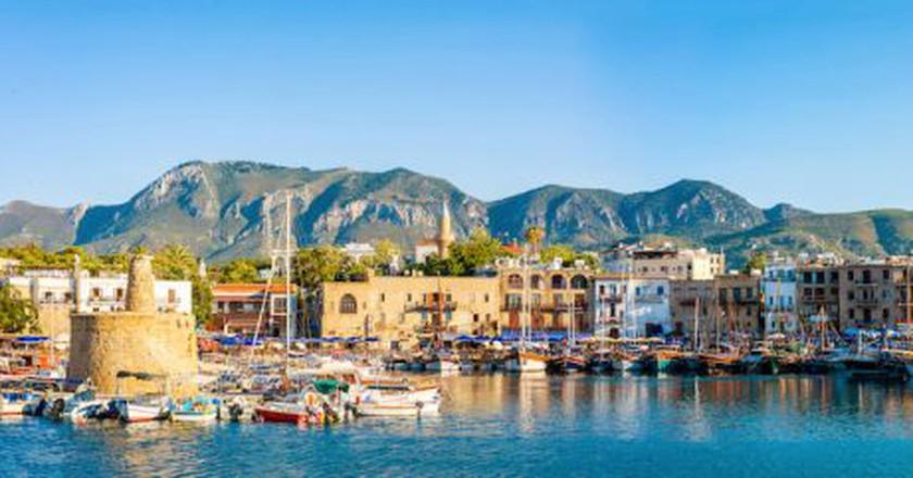 Panorama of Kyrenia harbour. Kyrenia (Girne), Cyprus | © kirill_makarov / Shutterstock