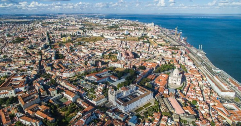 Aerial view of Old Town Lisbon | © Timaldo/Shutterstock