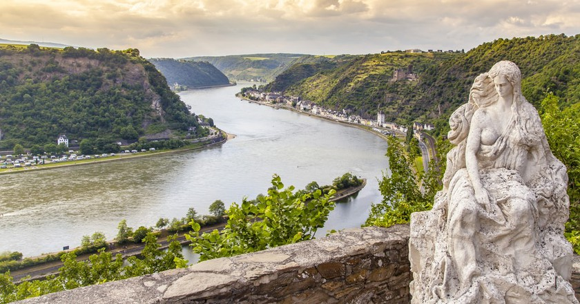 Loreley Figure in the Rhine Valley, Germany | © Diadis/Shutterstock