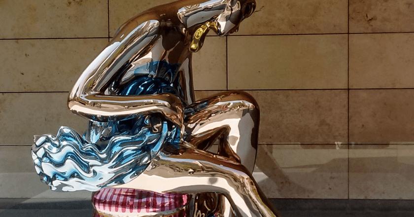 "Jeff Koons, ""Seated Ballerina"", Malba, Argentina | © K.B.L. Luccia/Flickr"