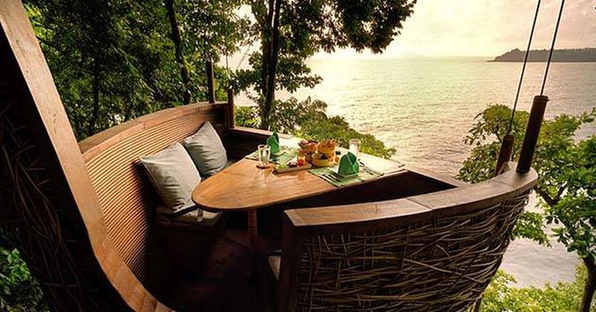 Tree top dining at Soneva Kiri | Courtesy of Soneva Kiri