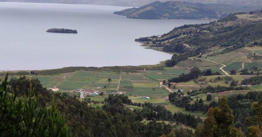 Lake Tota © Petruss / WikiCommons  https://en.wikipedia.org/wiki/Monster_of_Lake_Tota#/media/File:Laguna_de_Tota_Crucero_1.JPG