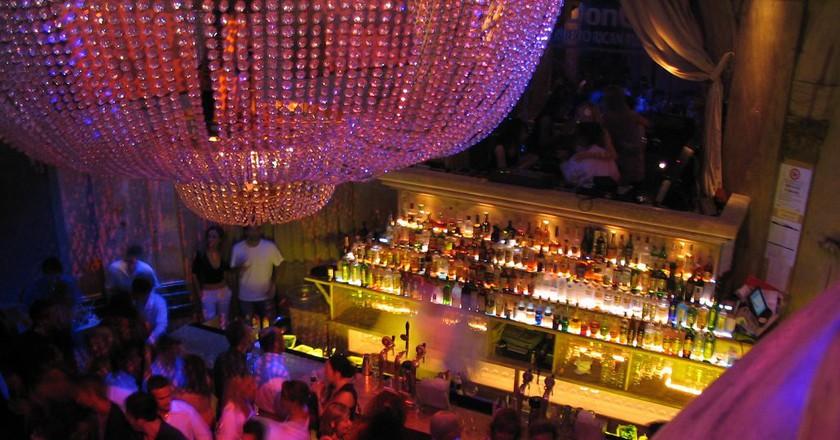Nightclub   © Bruce Turner / Flickr