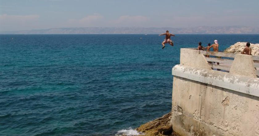 If you're brave enough you should try jumping into the sea in Marseille | © Bryce Edwards/Flickr