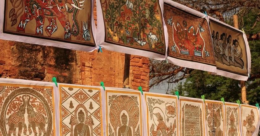 Buddhist art on display in Bagan | © Marcela Tokatjian/Flickr