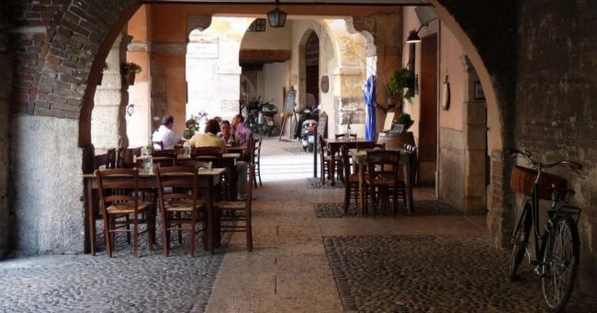 Cafe in Verona   ltangelini/Flickr