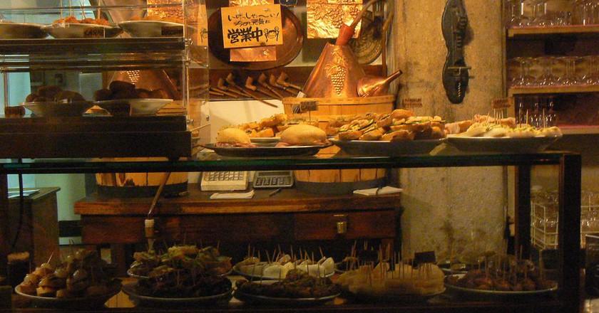 A well-stocked counter at Cantina Do Mori | mkl20