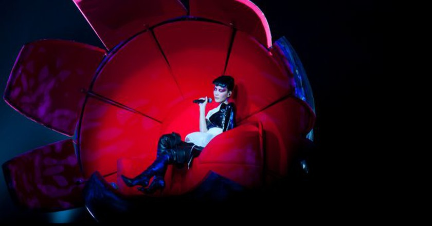 "<a href=""https://www.flickr.com/photos/60678855@N03/5532446390/"">Faye Wong performing in Hong Kong in 2011 