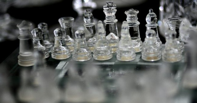 Chess pieces |© Phalinn Ooi / Flickr