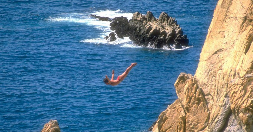 The famed divers of La Quebrada, Acapulco   © Jack Fiallos/Flickr