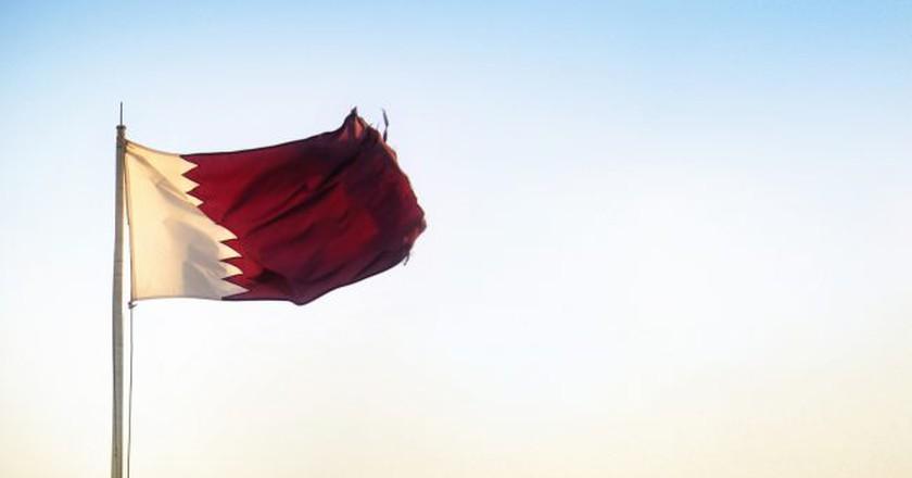 The Qatari flag | © Juanedc/Flickr