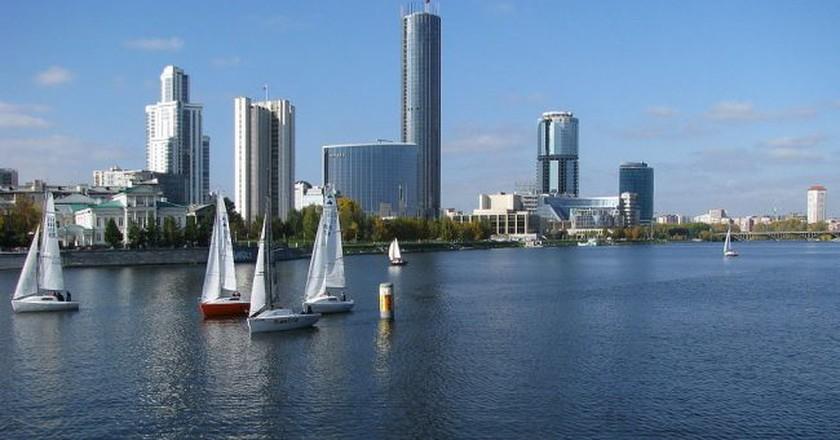 The city pond on the river Iset, Yekaterinburg  © Владислав Фальшивомонетчик/ Wikimedia Commons