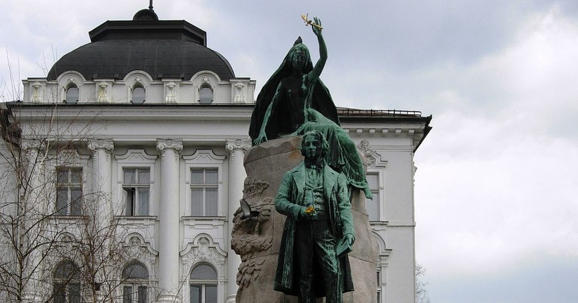Statue of Dr. France Prešeren in Prešeren Square│© Xiquinho Silva/Flickr