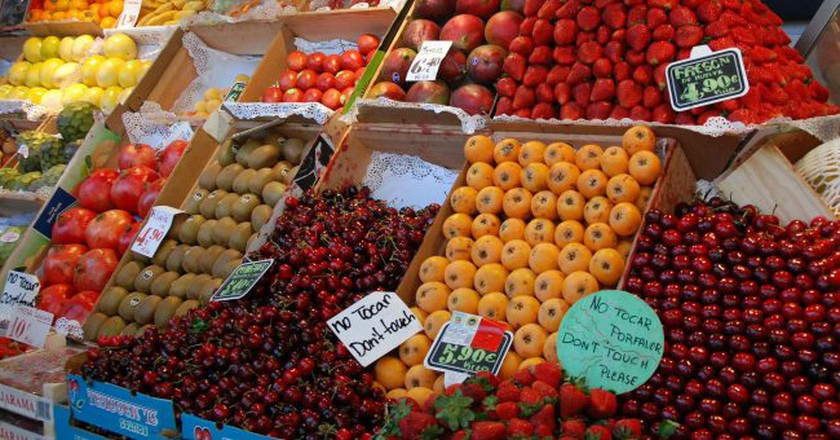 A fruit stall in a Madrid market   © Stacy/Flickr