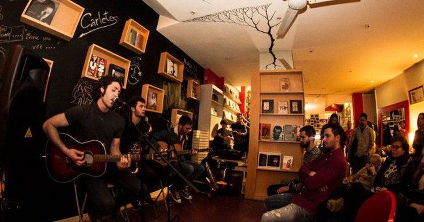 Live music at Libreria Hydria, Salamanca | Photo courtesy of Libreria Hydria