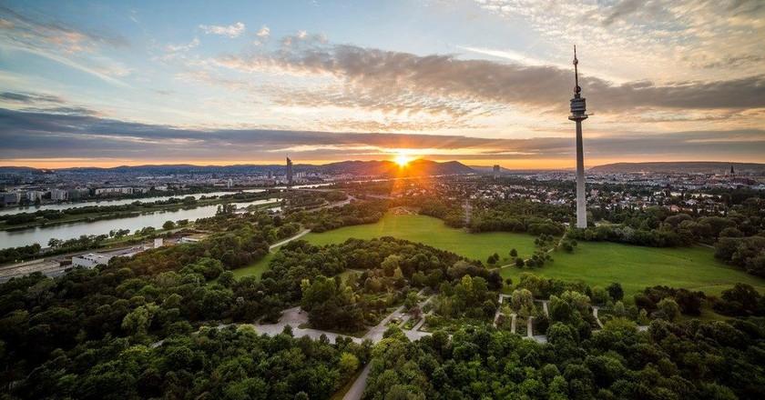 Sunset in Vienna (view from Donaupark to Kahlenberg |© Österreich Werbung / Filmspektakel.a
