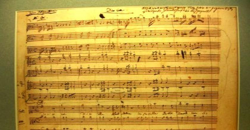 Requiem Mass in D minor in Mozart's own handwriting |©JelloSheriffBob / Wikimedia Commons