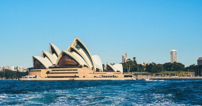 https://pixabay.com/en/opera-house-sydney-australia-1031094/