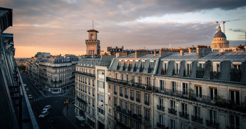"<a href = ""https://pixabay.com/en/paris-sky-architecture-roofs-1271819/ ""> Paris property │© liudanao1991/Pixabay"