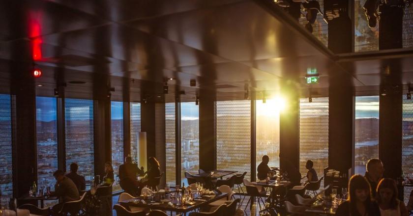 Dining   © Pexels