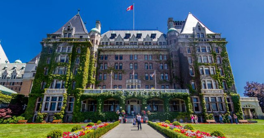 The ivy-covered Fairmont Empress | © achinthamb /  Shutterstock