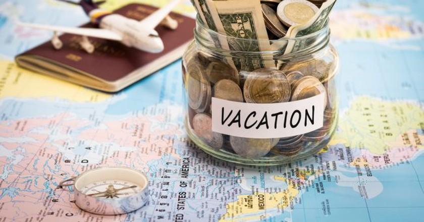 Budget travel © Surasaki/Shutterstock