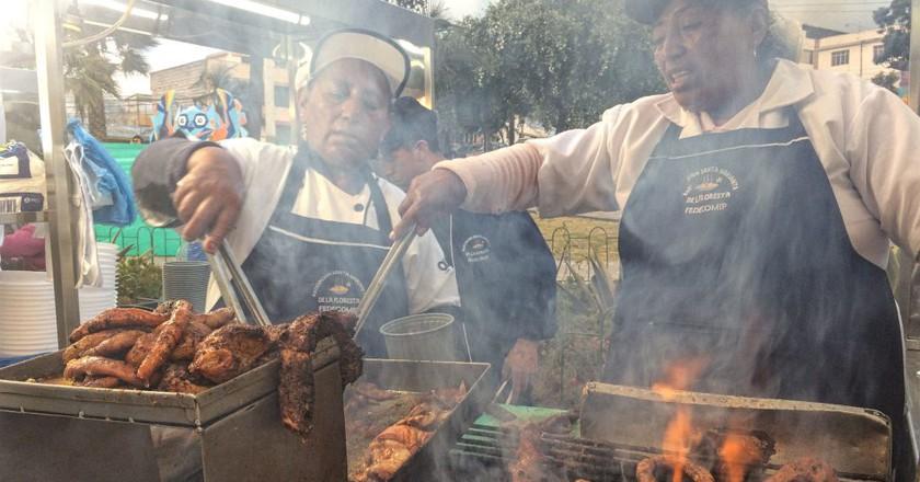 Sample the best of Ecuador's street food I © Carolina Leon