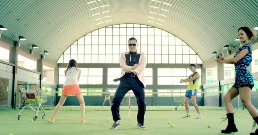 Still of music video for Psy 'Gangnam Style' | © officialpsy/YouTube