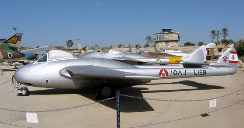 Historical Lebanese Air Force jet    © Oren Rozen/ Wikimedia Commons