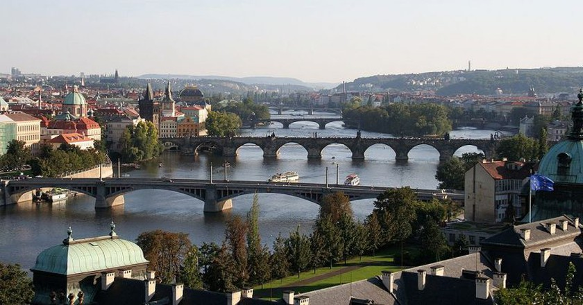 View of River Vltava in the city center |© che/WikiCommons