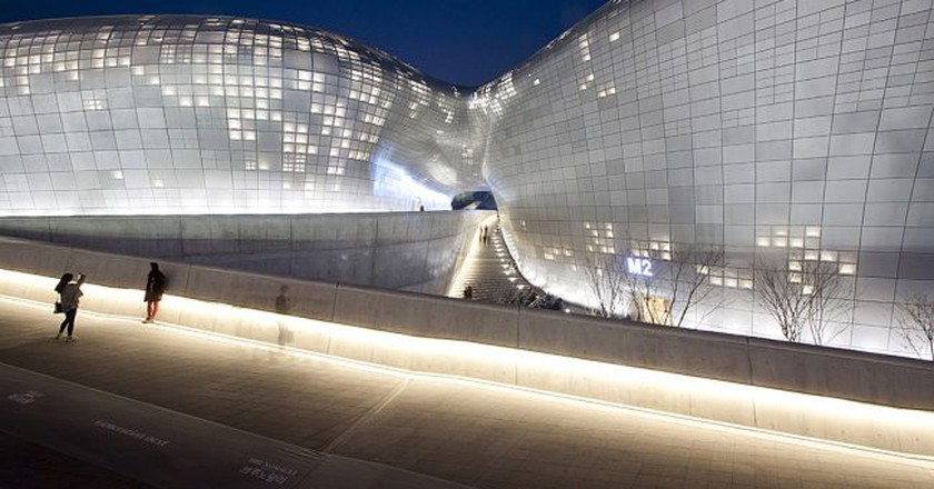 Dongdaemun Design Plaza | © Nestor Lacle/Flickr