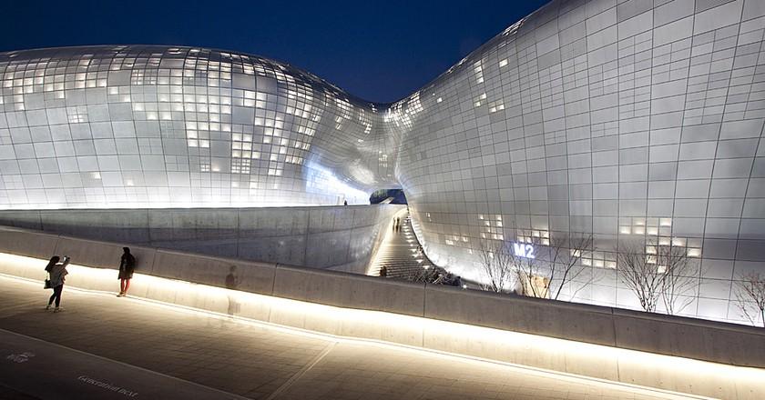 Dongdaemun Design Plaza | © Nestor Lacle/Flickr