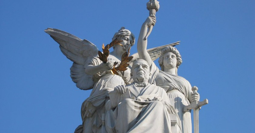 The statue of Juárez on Mexico City's Hemiciclo a Juárez | © Omar/Flickr