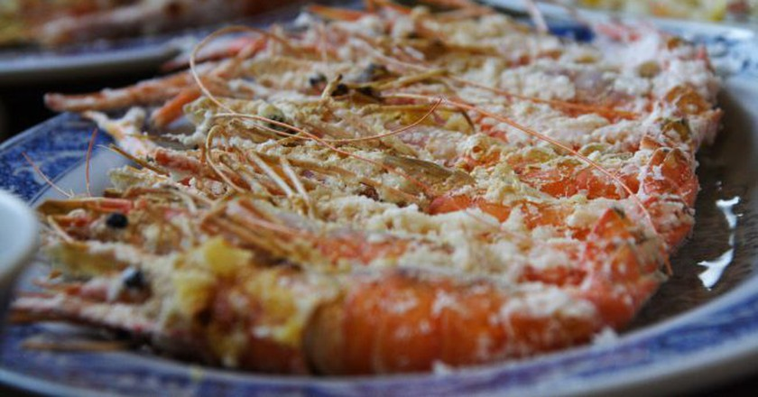 Shrimp fresh from the pool | © David Hsu/Flickr