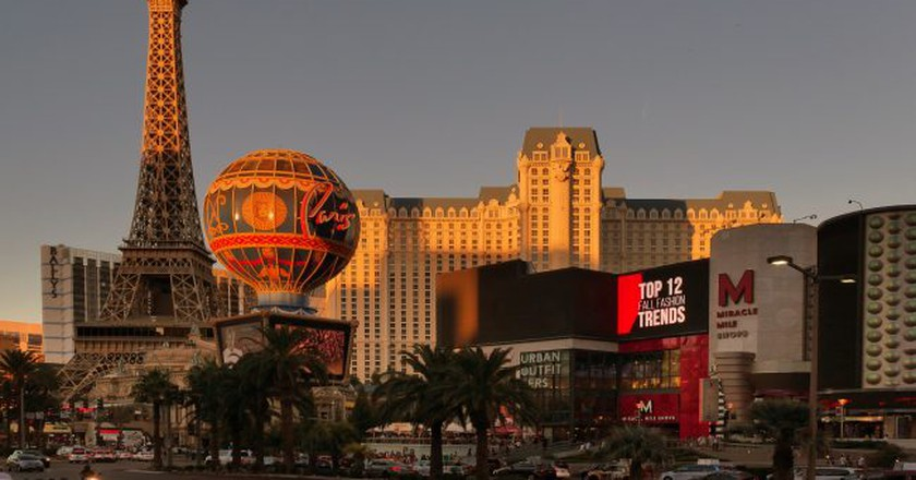 Las Vegas skyline   © Bernard Spragg / Flickr