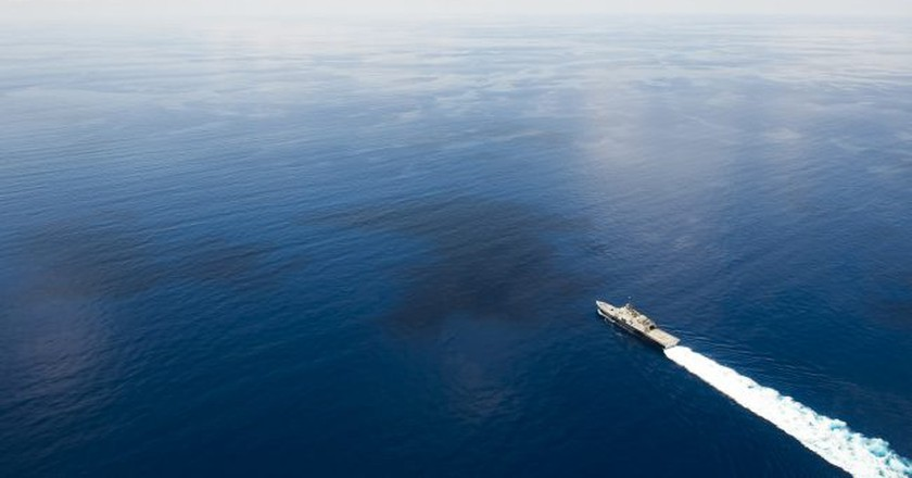 US Ship on South China Sea   © Naval Surface Warriors / Flickr