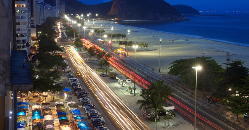 Copacabana Beach at night | © Marcin Wichary/Flickr
