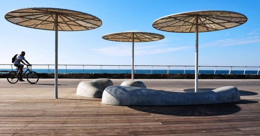 Tel Aviv beach boardwalk | Ⓒ Rafael Ben-Ari/Chameleons Eye /Flickr
